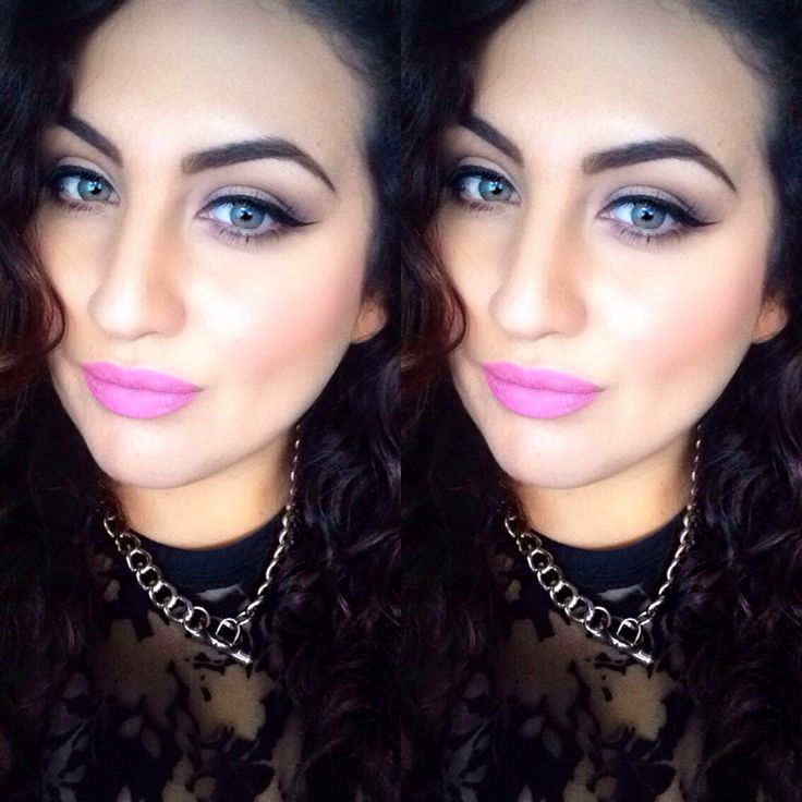 Pink lipstick makeup inspo