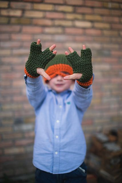 Ravelry: 3 Finger gloves, Teenage Mutant Ninja Turtle pattern by Wanita Levacy-Sabin crochet