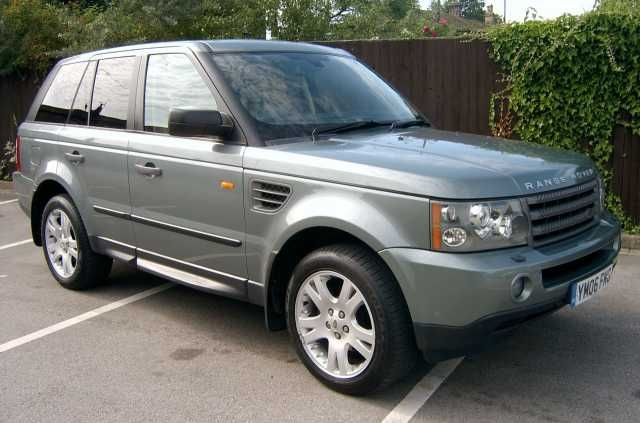 2006 Range Rover Sport 2.7 TDV6 HSE 5-door auto estate. Giverny Green Metallic. FSH. Click on pic shown for loads more.