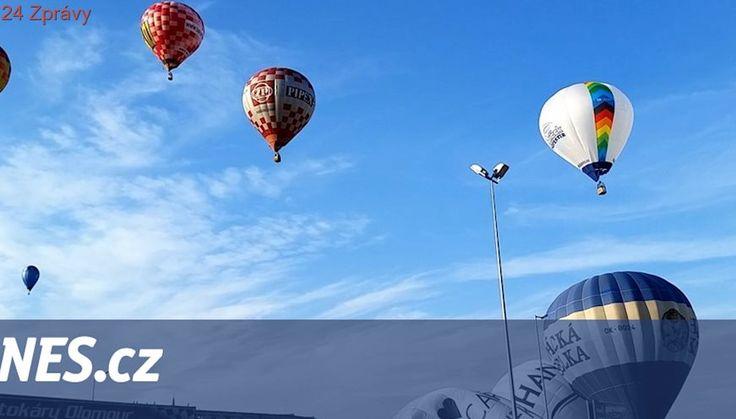 VIDEO: Nebe nad Olomoucí hrálo barvami, zaplnily ho horkovzdušné balony