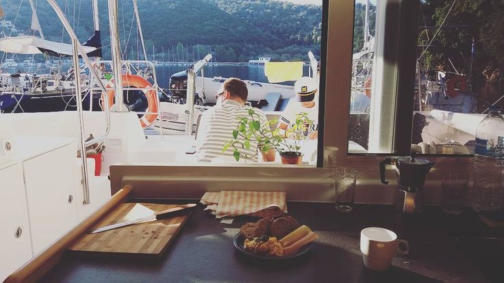 Why book a hotel room when you can enjoy your breakfast with a different view everyday?