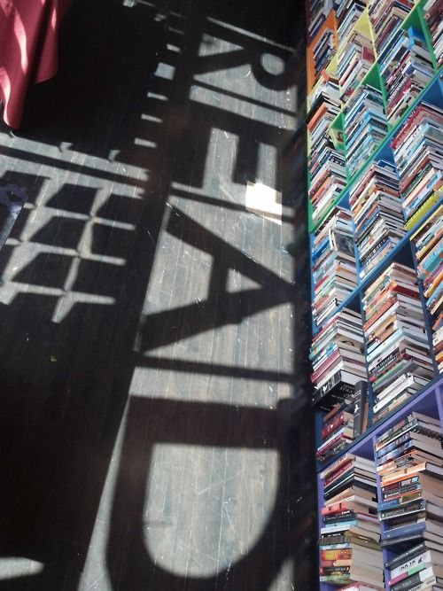 readBook Worms, Dms Bookish, Book Bookstores, Open Book, Favorite Bookstores, Stores Custom, Bookish Kind, Reading Shadows, Shadows Art
