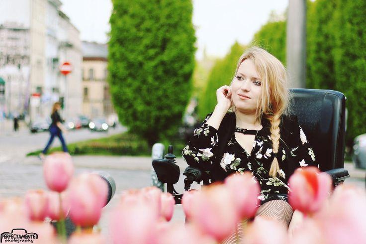 http://www.vamppiv.pl/2017/05/stylizacja-boho-z-sukienka-w-kwiaty-i.html