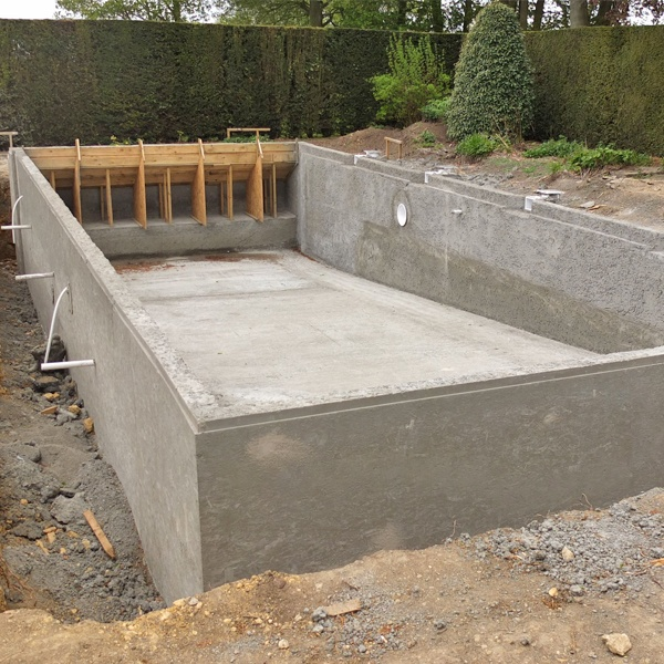 17 best images about zwembad on pinterest pools shells for Concrete pool construction