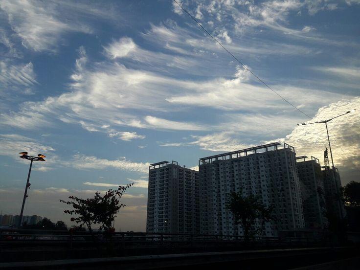Langit sore...di atas Cawang  #jumat25agst2017