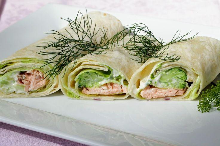 Brokolicovo-lososové trúbele  Wrapy sú populárnym fast-foodom. Pripravte si zdravšiu verziu z brokolice a lososa.