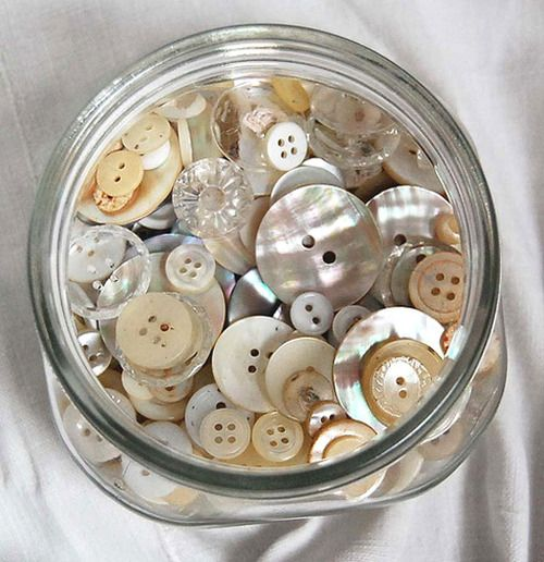buttonsThings Buttons, Vintage Buttons, White Buttons, Buttons Buttons, Buttons Jars, Mothers Of Pearls, Pearls Buttons, Buttons, Collection