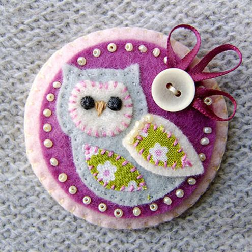 Little Owl Fabric Brooch.....so cute!                                                                                                                                                                                 More