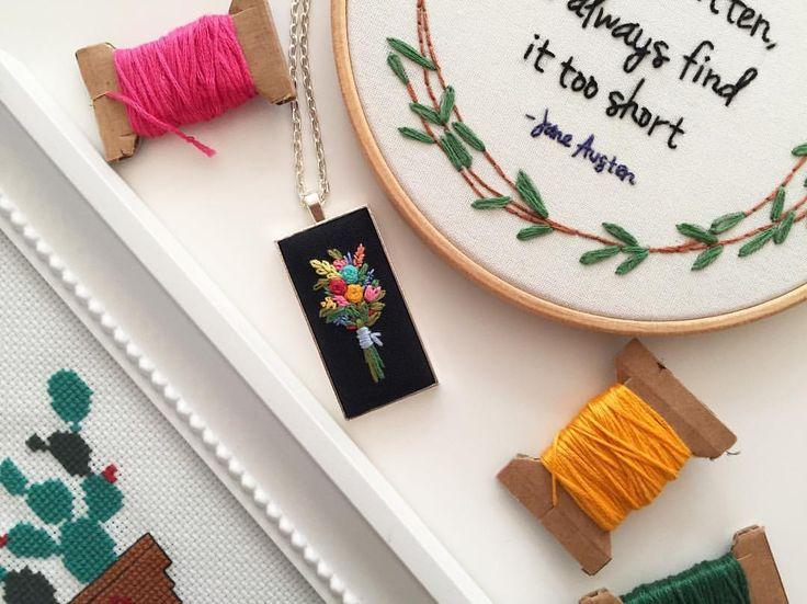 """150 Beğenme, 2 Yorum - Instagram'da @zezehandcraft: """"Helloo Sunday 🎈.. . . . . . . #handmadejewelry #embroiderednecklaces #flowerbouquete…"""""""