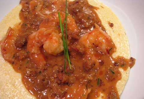 Shrimp and Grits with Sausage gravy I will add a green pepper canned tomatoes and chorizo yummy