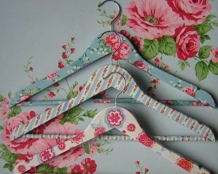 cadeau a faire soi meme, découpage papier sur des cintres, superbe idée pour la fête des mères