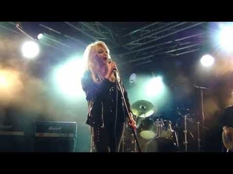 Bonnie Tyler - Kuopio (Finland) - 06/07/2013 - All I Ever Wanted #bonnietyler #gaynorsullivan #gaynorhopkins #thequeenbonnietyler #therockingqueen #rockingqueen #music #rock #2013 #finland #kuopio #concert #bonnietylervideo #allieverwanted #kuopiowinefestival