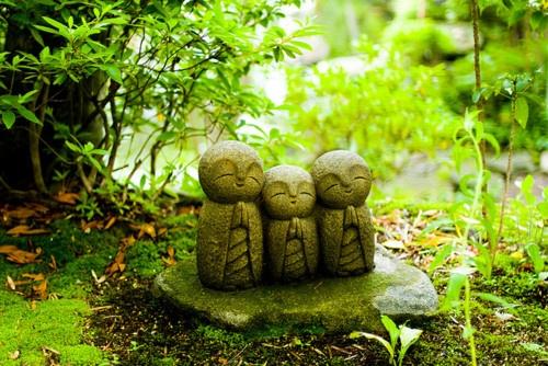 38 best style jardin zen images on pinterest japanese for Statue jardin zen