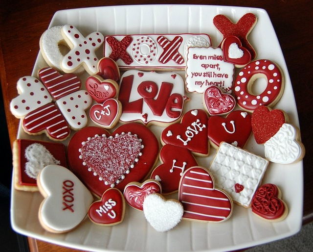 Would be cute for anniversary cookies. :)