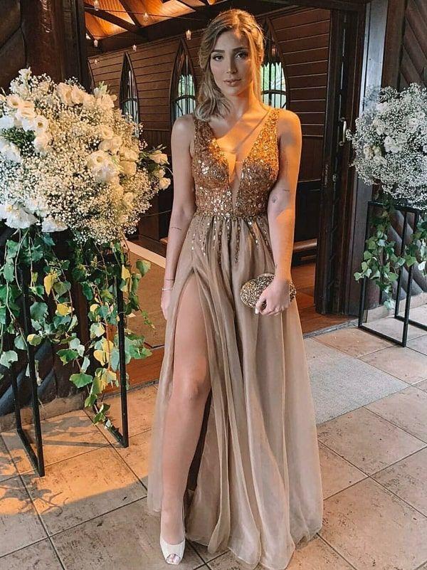 vestido de festa longo dourado e nude com fenda | Roupas de 2019 | Vestidos de festa formatura, Vestidos de baile de formatura e Vestido de festa dourado