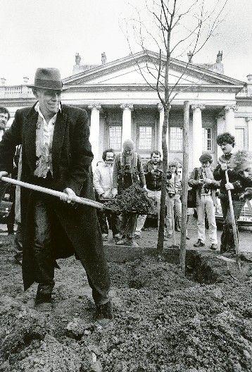 Joseph Beuys — 7000 Oaks  Land Art Meets Urban Renewal  #environment #eco via ART SAVES WORLD
