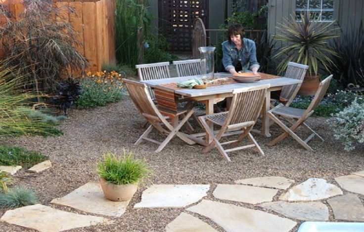 Best 25 gravel patio ideas on pinterest patio ideas for Stone patio ideas on a budget
