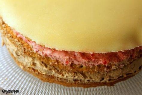Lagkage med hindbærmousse, tobleronecreme og marcipan