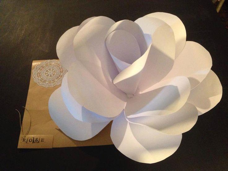 Fiori di Carta Grandi/ Giant Paper Flowers di JustLaBo su Etsy