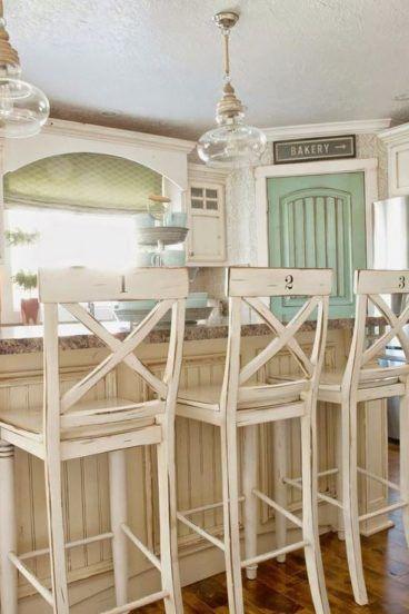 39665d16758d Drevené barové stoličky vintage