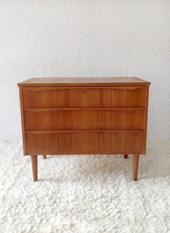 teak chest of drawers ('60-Denmark) www.vadevintage.com