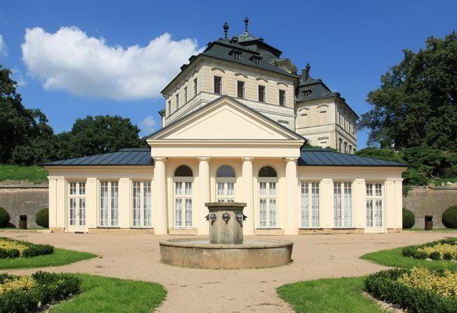 Kudy z nudy - Zámek Karlova Koruna v Chlumci nad Cidlinou - místo pro krásný výlet i svatbu