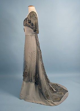 Imagen - Jacques Doucet (French, 1871-1929) Evening Gown, c. 1911. Pinned from. foros.vogue.es http://foros.vogue.es/viewtopic.php?p=3120904&sid=98f7159a780e0af209c527772ad4e6b1