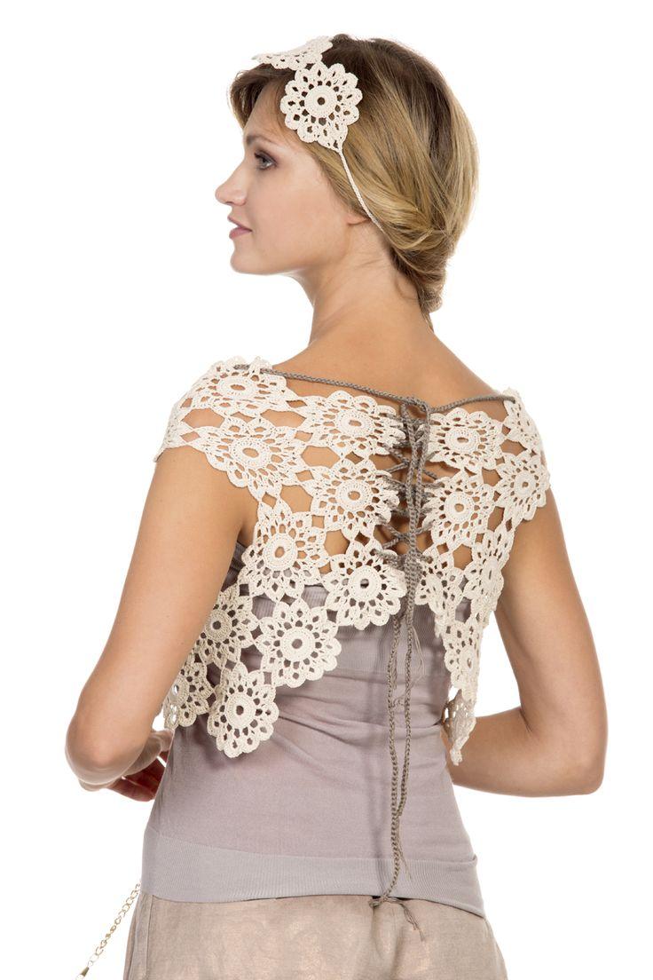 #amazing #top #macramè #pizzo #cable #yarns #filatilanemondial #spring #summer #bijoux #details #tendenze #fashion #model #primaveraestate #staytuned lanemondial.com