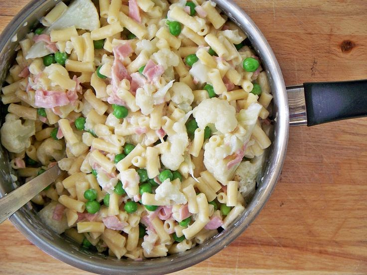 Cauliflower & Ham Macaroni Cheese - so quick, so easy and toddler-approved!