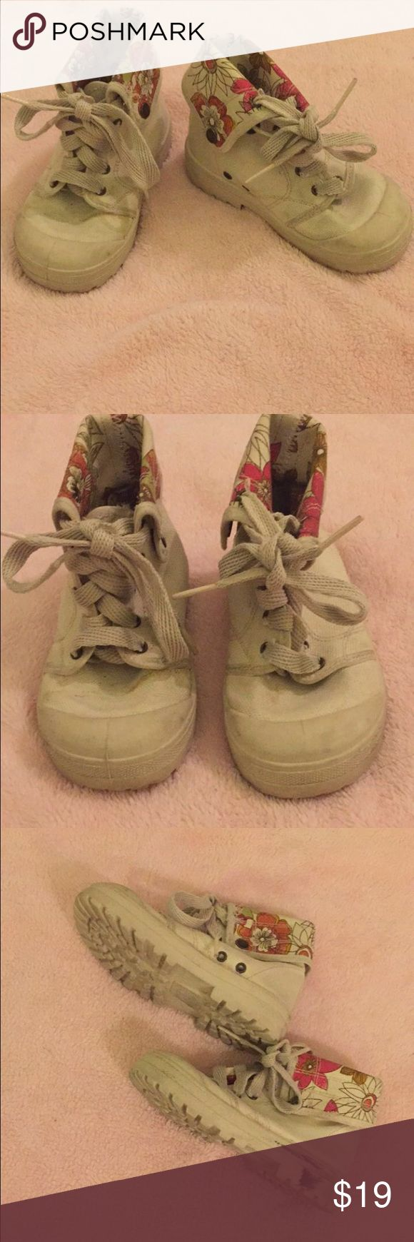 Zara Kids canvas high top boots shoes 26 9.5 US Zara Kids high top canvas boots in size Euro 26 (US 9.5). A little bit dirty but can be easily cleaned Zara Shoes Boots