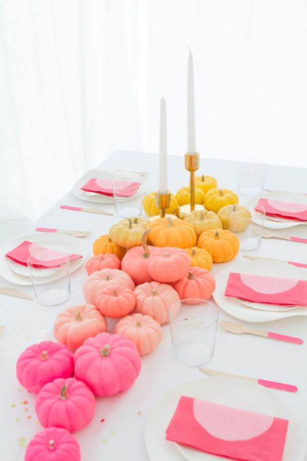 Incorporating hues of pink, peach and yellow into the Thanksgiving centerpiece this year. Adoring this DIY Ombre Mini Pumpkin Centerpiece.