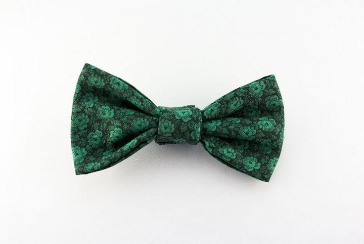 Tinker Finca @ Etsy, Vintage Green Floral Magnetic Bowtie ($35.00)