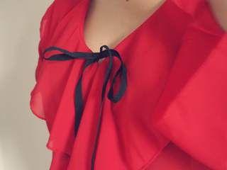 Swish My Swag boohoo red ruffle split front blouse