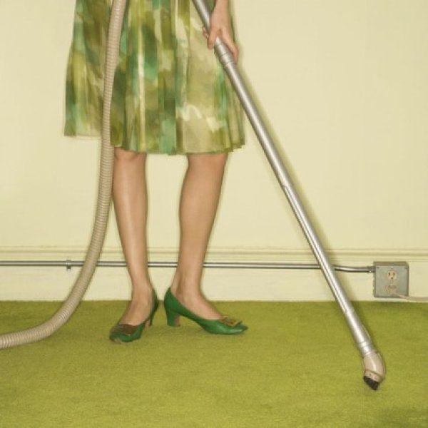 Πώς να κάνετε την ηλεκτρική σας σκούπα να… αρωματίζει το σπίτι σας
