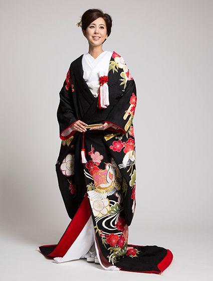 ウエディングドレス、高品質な結婚式ドレスならW by Watabe Wedding / 色打掛【八重桜に松竹梅鶴】