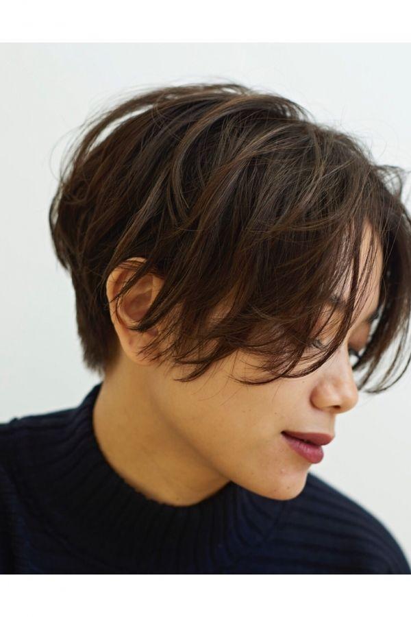 男の子っぽく見えない 前髪長めの前下がりショートヘア 美容室