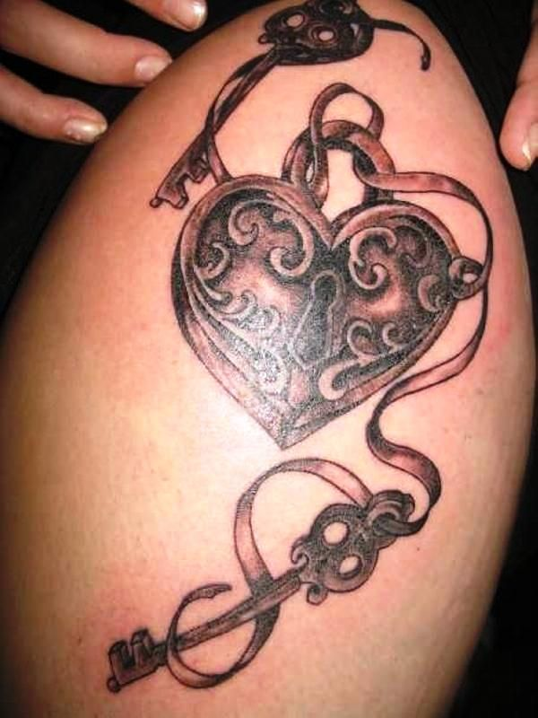 Side Piece Tattoos | 25 Awesome Lock And Key Tattoos - SloDive
