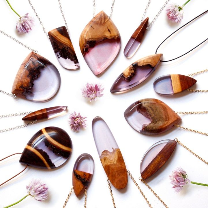 Instead of simply throwing away scraps of wood, this designer upcycles the organic fragments by turning them into beautiful pendants and rings. #etsy #jewelry