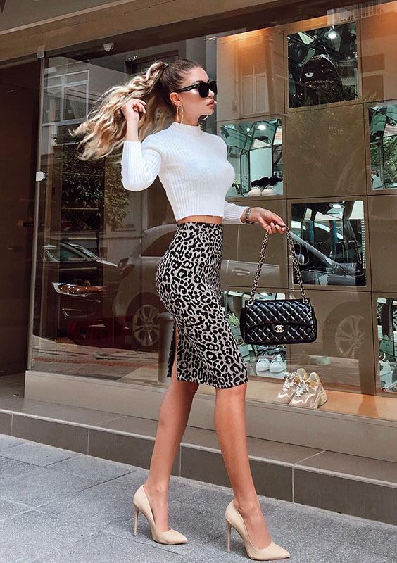20 looks diferentes para inspirar sua semana | Fashion, Skirt fashion, Catwalk fashion