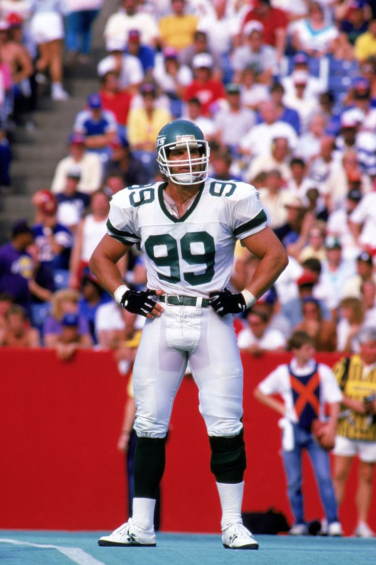 Jets legend Mark Gastineau has revealed that he is suffering from serious health problems.