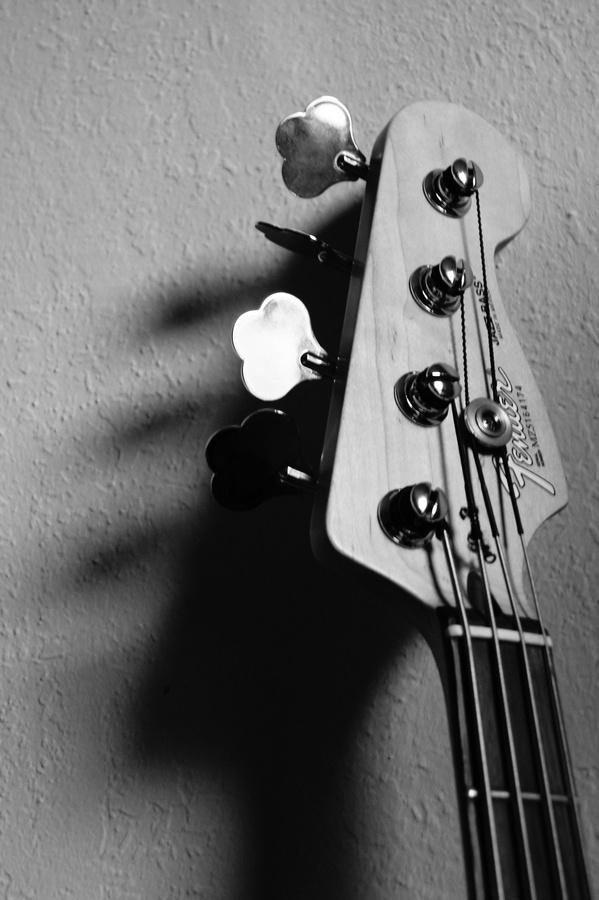 I play bass because of Alec John Such (Bon Jovi), Steve Harris (Iron Maiden),  Nikki Sixx (Mötley Crüe), Cliff Burton (Metallica), Duff McKagan (Guns N' Roses) and David Ellefson (Megadeth).