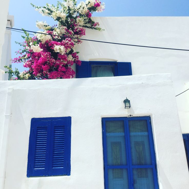 Greece Itinerary with 10 Days: Exploring the best Greek Islands by Island Hopping from Santorini, Antiparos, Paros & Athen. A true Greek Island Holiday.