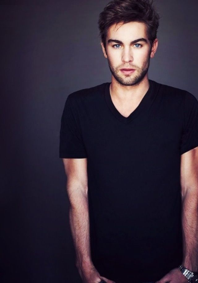 Chace - GOSSIP GIRL... In all seriousness how is someone this hot even made !?