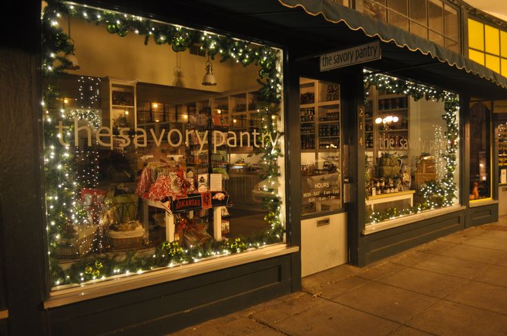 Storefront in Hot Springs Ar @ Christmas