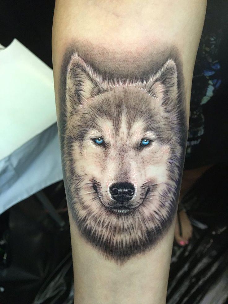Kirstie's Tattoo of her husky