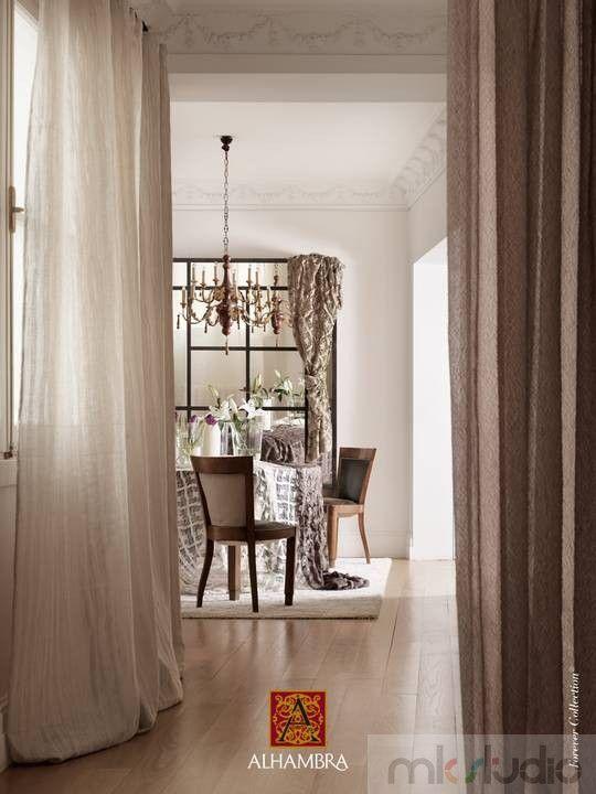 #brąz #brązowy #brown #wnętrze #salon #dekoracje #dekoracjewnętrz #interior #wnetrza #kanapa #sofa #jadalnia #livingroom #aranżacja #architekt #mkstudio #tkaniny #tkaninyobiciowe  >> http://www.mkstudio.waw.pl/dekoracje/tkaniny-obiciowe/
