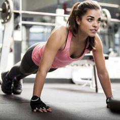 So lange musst du Planking wirklich machen, um Resultate zu sehen! – Nina