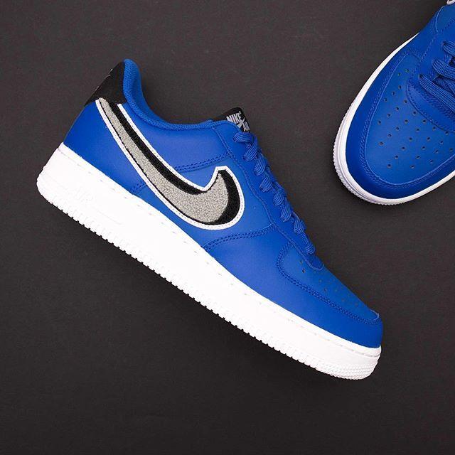 new product e3d41 d6521 Nike Air Force 1 07 LV8 - 823511-409 •• En 3D swoosh säger man inte nej  till, finns såklart på www.footish.se  footish