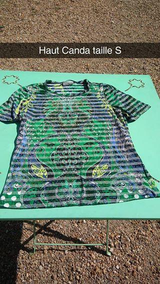 """Vente de Haut  Bonjour je vends un t shirt de taille S pour 5 euros Remise en main propre sur Orleans  Contactez la vendeuse !  Marque :  Produit : #T-Shirt Taille : S L""""email de la vendeuse : chloe.gastan@gmail.com Prix : 5 Le blog de la vendeuse :  Ville : Orléans"""