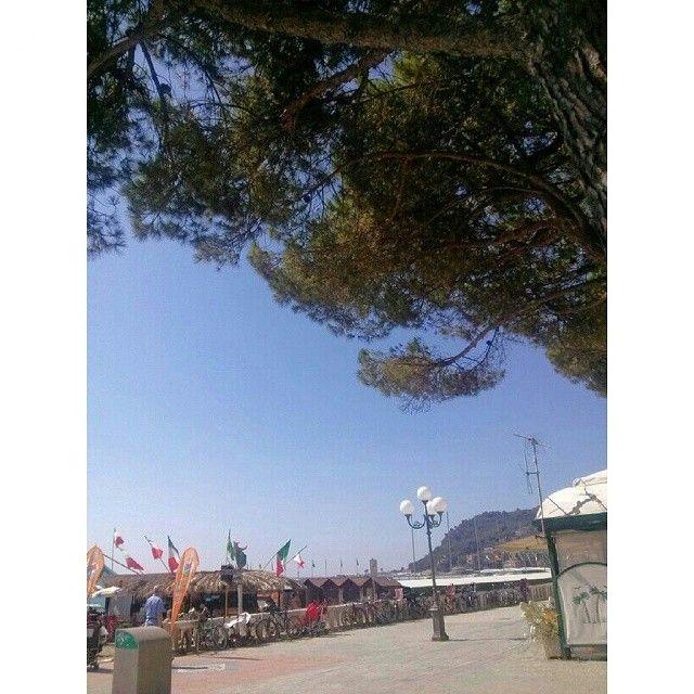 Il cielo è sempre più blu. .. www.hotelmorchio.com #liguriadiponente #myliguria140 #hotel #dianomarina #Rivieraligure #liguria #cielo #chebe...